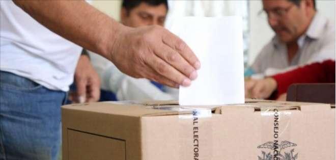 En Loja se cumplen votaciones para proceso de revocatoria del mandato del alcalde. Foto: ElCiudadano.gob.ec
