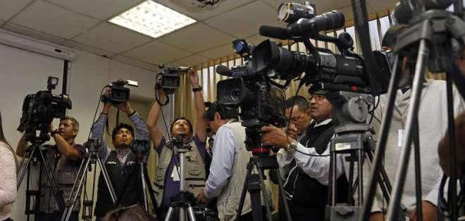 El salario básico para los periodistas profesionales se ubica en $930,09. Foto: API.