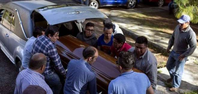 El candidato a alcalde, Fernando Ángeles, fue asesinado a tiros. Foto: AFP