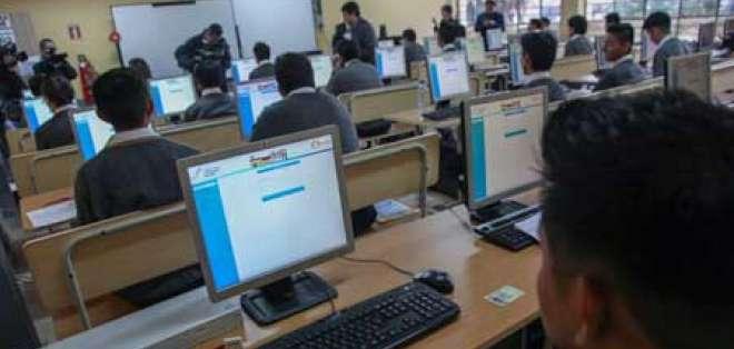 """245.261 estudiantes rinden el examen """"Ser Bachiller"""". Foto: Referencial"""