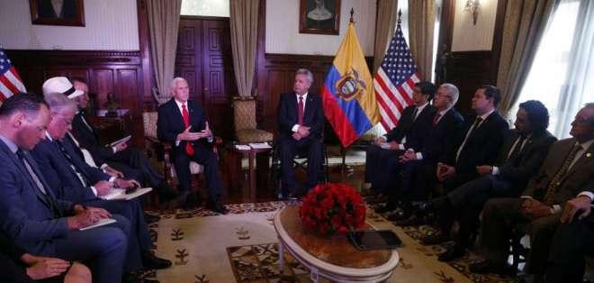 El vicepresidente de EEUU, Mike Pence, se reunió con el presidente Moreno en Carondelet. Foto: API