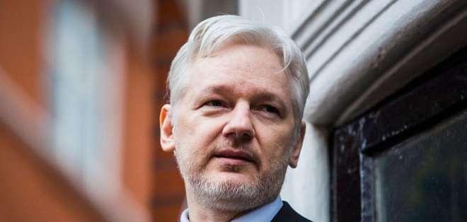 INGLATERRA.- El asilo que Ecuador brinda a Assange no fue comentado públicamente por Pence y Moreno. Foto: Archivo