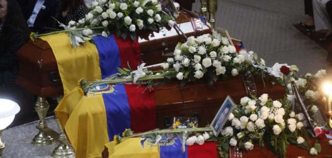 Quiteños acudieron a la misa de los ecuatorianos asesinados. Foto: API