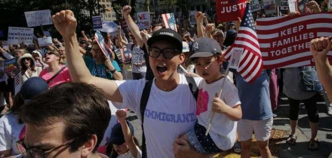 Protestas en todo EEUU contra la línea dura antiinmigrantes de Trump. Foto: AFP