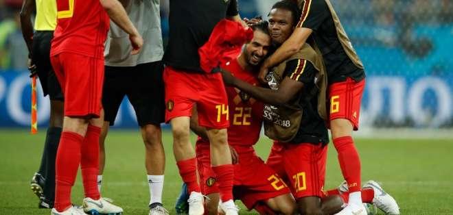 ROSTOV DEL DON, Rusia.- La selección de Bélgica celebrando luego de la clasificación a cuartos. Foto: AFP
