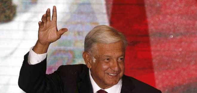 López Obrador, de 64 años y del partido Morena, triunfó en las elecciones generales del domingo. Foto: AFP.