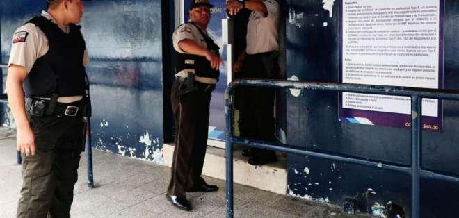 4 delincuentes robaron 8.000 dólares en efectivo, según la CTE. Foto: ARchivo API