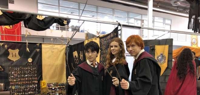 Conoce a los cosplayers de Harry Potter, Hermione Granger, Ron Weasley y Newt Scamander. Foto: ecuavisa.com