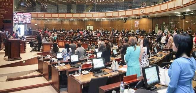 La nueva organización la dispuso la presidente del Legislativo, Elizabeth Cabezas. Foto: Twitter Asamblea