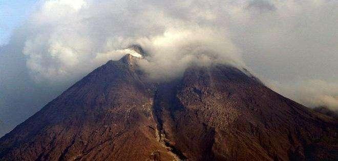 IG señaló que en las últimas horas el volcán ha permanecido parcialmente despejado. Foto: Archivo