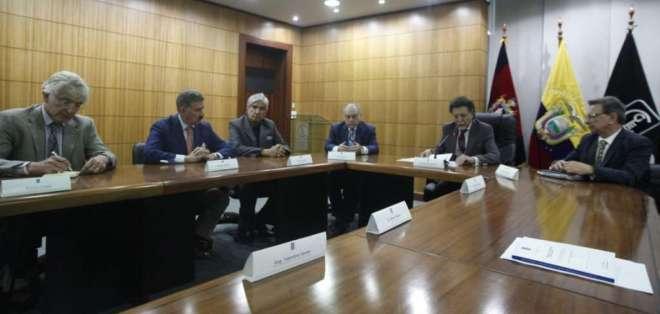 QUITO, Ecuador.- La Contraloría presentó un segundo informe sobre negociación de certificados de tesoría. Foto: API