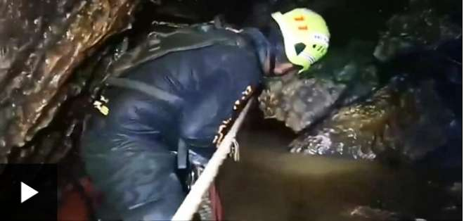 Los primeros niños fueron rescatados de la cueva de Tailandia tras dos semanas atrapados.