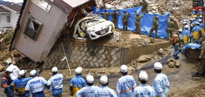 75.000 policías, soldados y guardacostas trabajan en operación por los afectados. Foto: AP