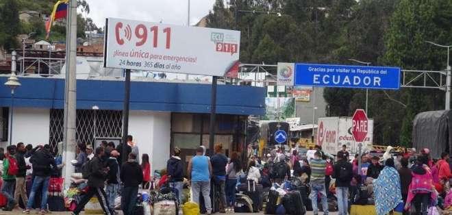 El puente de Rumichaca es el paso fronterizo más importante entre Ecuador y Colombia. Foto: EFE.