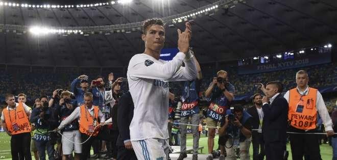 Sergio Ramos fue el primero en escribir un mensaje a 'CR7'. Foto: Paul ELLIS / AFP