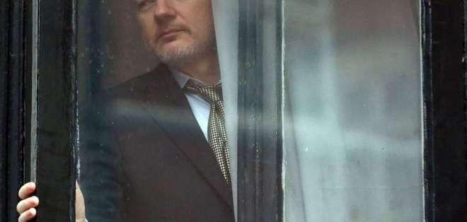 La denuncia sobre pagos por seguridad de Assange la hizo el activista político Fernando Villavicencio. Foto: Archivo AFP
