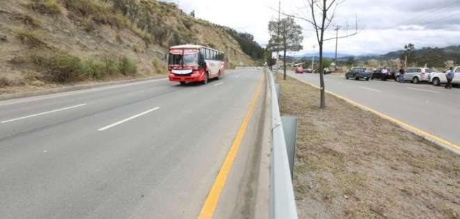 De 42 kilómetros de longitud, la vía conecta las ciudades de Cuenca, Azogues y Biblián. Foto; Secom