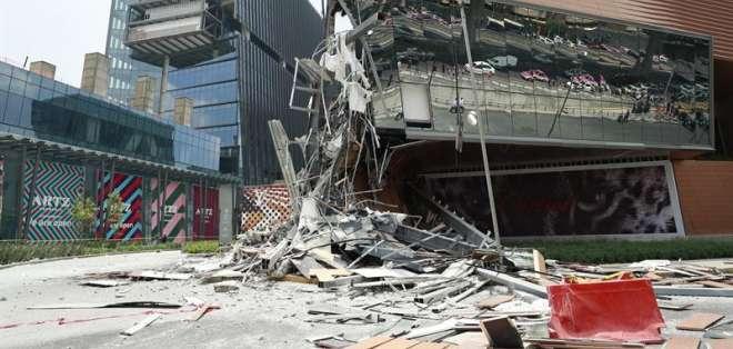 Centro comercial se había inaugurado hace 3 meses en una una acomodada zona de la ciudad. Foto: EFE