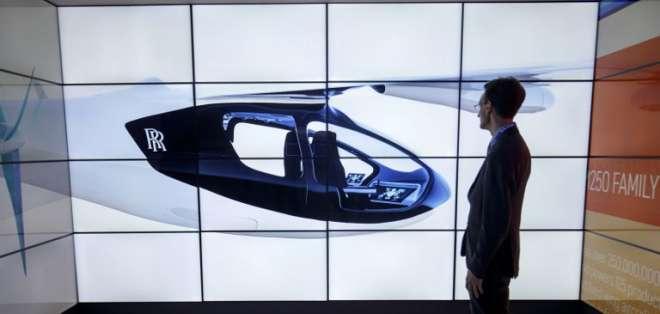 """El grupo automovilístico espera que el """"taxi volador"""" este activo en 2020. Foto: AFP"""