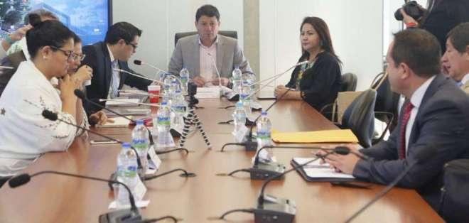 QUITO, Ecuador.- Según Esteban Albornoz, el 80% de las observaciones del Ejecutivo es por temas de forma. Foto: Twitter
