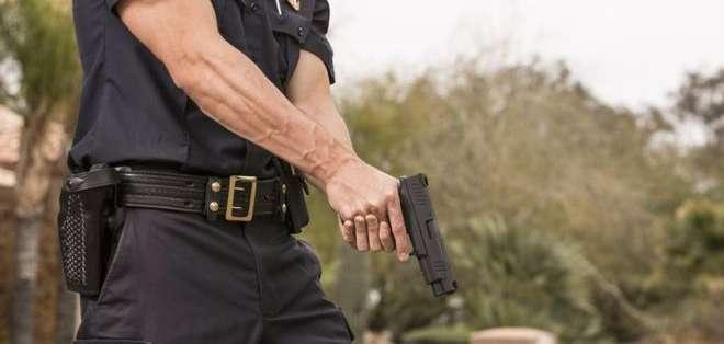 ¿Está justificado ante la ley que un agente dispare contra un civil... a matar?