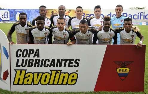 Los 'albos' recibirán al equipo brasileño en el estadio Rodrigo Paz Delgado. Foto: API