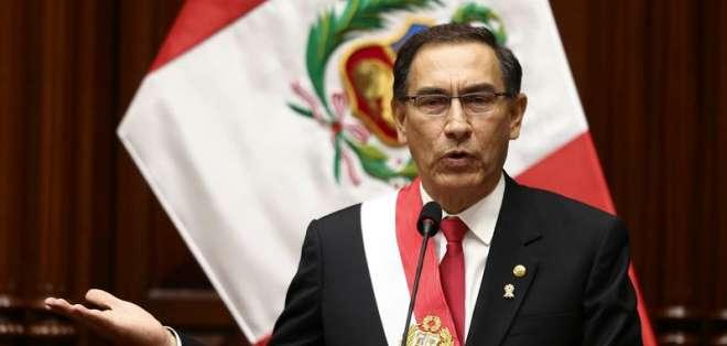 Vizcarra durante discurso por el aniversario 197 de la independencia de Perú. Foto: EFE.
