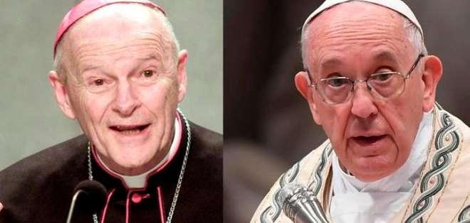 El papa (derecha) ordenó que McCarrick (izquierda) abandonara el servicio público, según la nota. Foto: La República.pe.