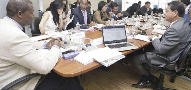 Contralor encargado realiza observaciones sobre reformas a la Ley de Comunicación. Foto: Asamblea