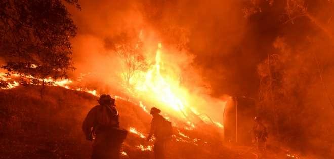 Incendio Carr ha devastado un total de 51.000 hectáreas desde que comenzó. Foto: AFP