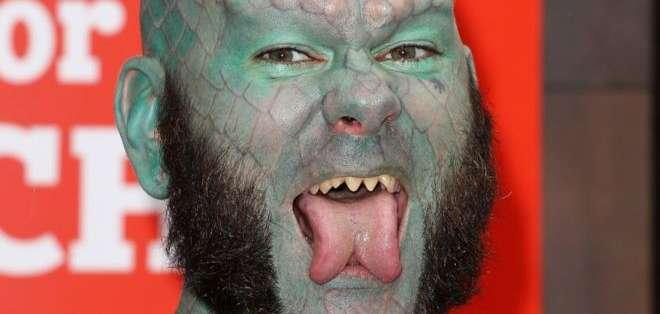 La modificación corporal consiste en cortar la lengua por la mitad desde la parte central hasta la punta. Foto: GETTY IMAGES