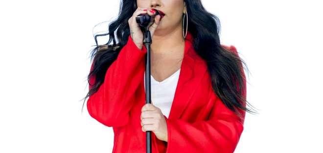 """Demi Lovato interpreta """"Skycraper"""" durante la Marcha por Nuestras Vidas. Foto: Archivo AP"""