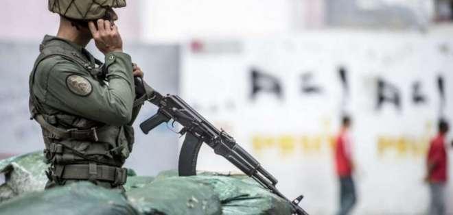 Otros 2 militares quedaron heridos durante patrullaje en frontera con Colombia. Foto: Archivo AFP