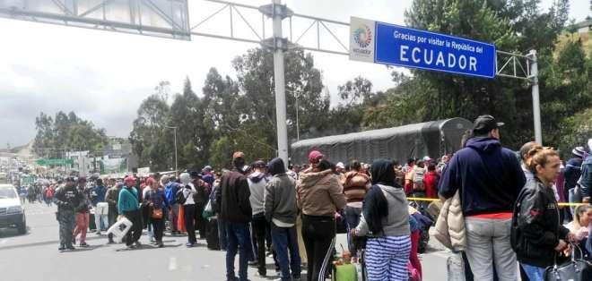 """Gobierno ecuatoriano atenderá los """"flujos migratorios inusuales de venezolanos"""". Foto: @d_pin1980"""