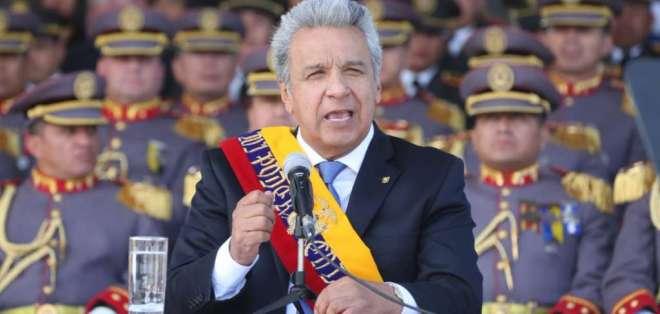 ECUADOR.- El presidente Moreno participó en ceremonia militar por 209 años del primer grito de independencia. Foto: Twitter