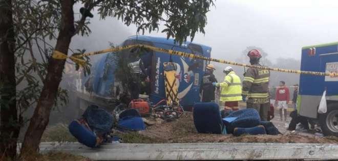 Accidente de bus de cooperativa Señor de los Milagros dejó 12 barcelonistas muertos. Twitter: @Sanchezmendieta