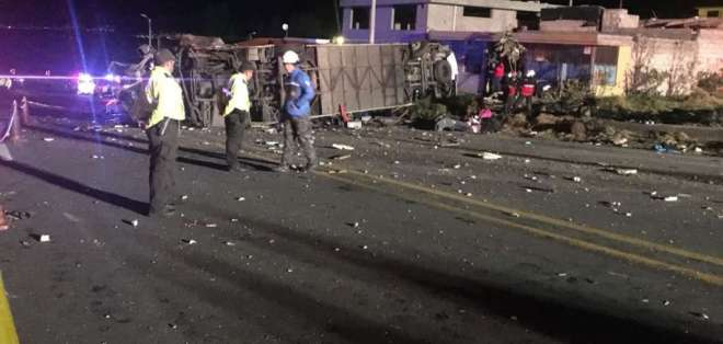 """Dos accidentes se registraron en la denominada """"Curva de la Muerte"""". Foto: ECU 911"""