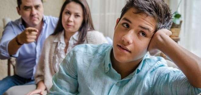 """Hasta hace un tiempo, los padres en México reprendían a los menores que no respondían """"¿Mande?""""."""