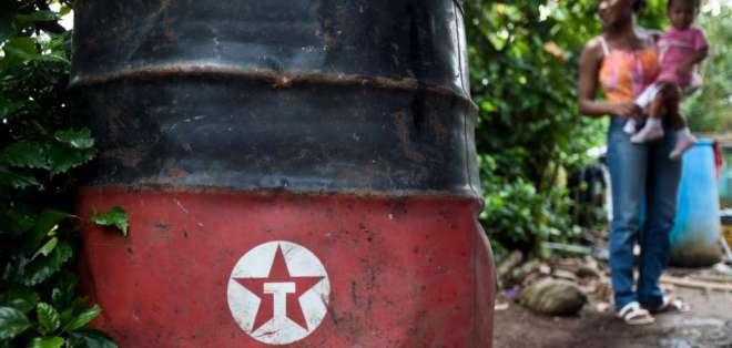 Gobierno pide acciones contra Correa y sus funcionarios por daños en caso Chevron. Foto: Archivo