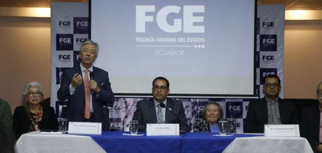 QUITO, Ecuador.- La Comisión Anticorrupción pide que se investiguen crímenes de lesa humanidad en el 30S. Foto: API