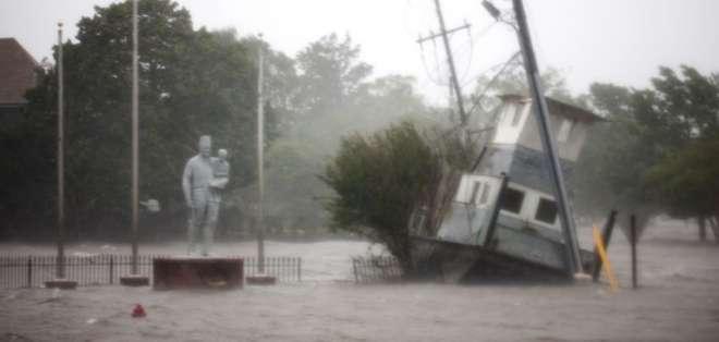 EE.UU.- Medio millón de personas están sin electricidad en Carolina del Norte, según gobernador. Foto: AFP