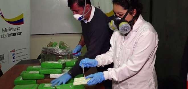 GUAYAQUIL, Ecuador.- Los 300 sacos incautados están valorados en $50 mil. Foto: Captura.