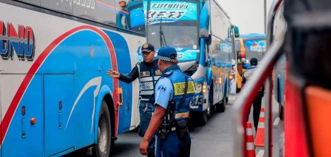Solo un bus pasó Revisión Técnica Vehicular de ATM en Guayaquil. Foto: Twitter ATM