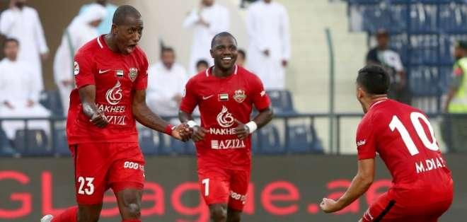 La 'Yoya' (i.) anotó a los 34 minutos en la derrota ante el Sharjah FC. Foto: Tomada de @shalahlifc
