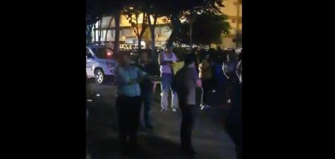 GUAYAQUIL, Ecuador.- En redes sociales se advierte del ingreso de personas al rectorado de la entidad. Foto: Captura.