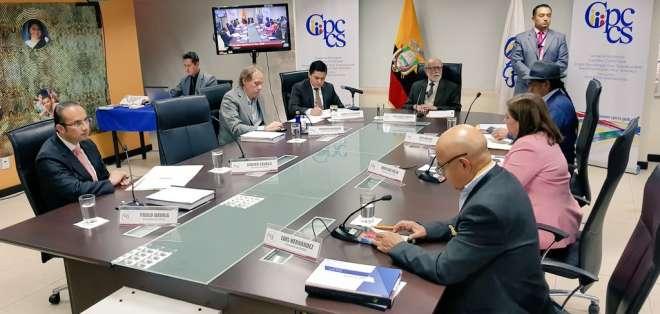 Documento fue presentado por organismo electoral que concluye funciones el 7 de octubre. Foto: Cpccs transitorio