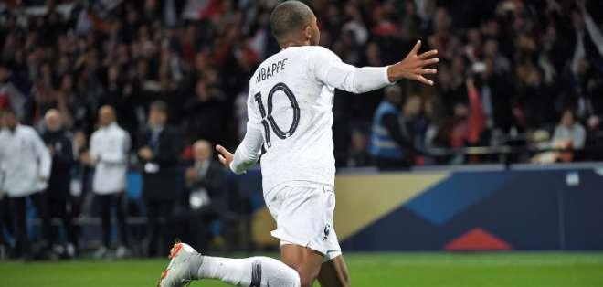 El delantero de 19 años participó de las dos jugadas de gol de los 'Galos'. Foto: LOIC VENANCE / AFP