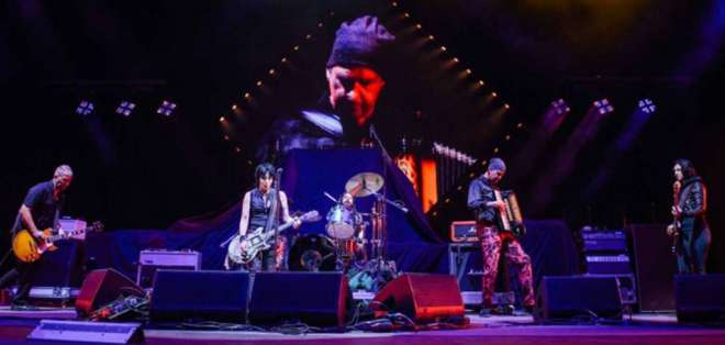 Dave Grohl y Krist Novoselic rinden homenaje a Cobain