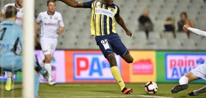 SÍDNEY, Australia.- El exvelocista se excusó argumentado que ni siquiera es un futbolista profesional. Foto: AFP