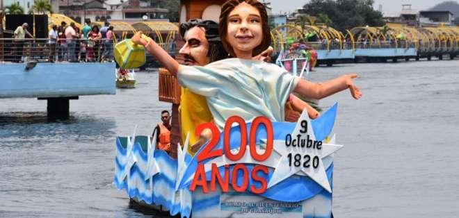 Desfile Náutico llenó de personajes coloridos el Salado. Foto: Guayaquil es mi destino